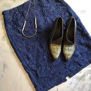 Zara Basic Navy Lace Pencil Skirt - size L